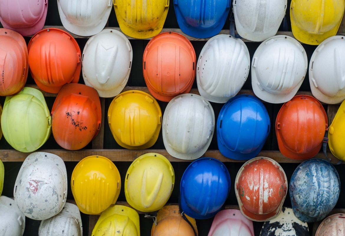 construction helmets 1920x1263 1170x800 - Choosing a Reputable Painting Contractor